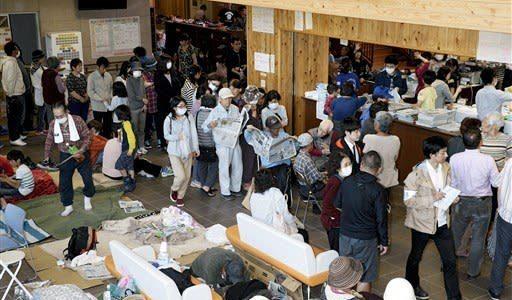 避難所「3密」どう回避 熊本県、市町村コロナ対策悩む--熊本日日新聞