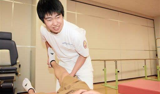 「困っている人の力に」 理学療法士合格の22歳男性 熊本地震避難所での支援活動、自信に